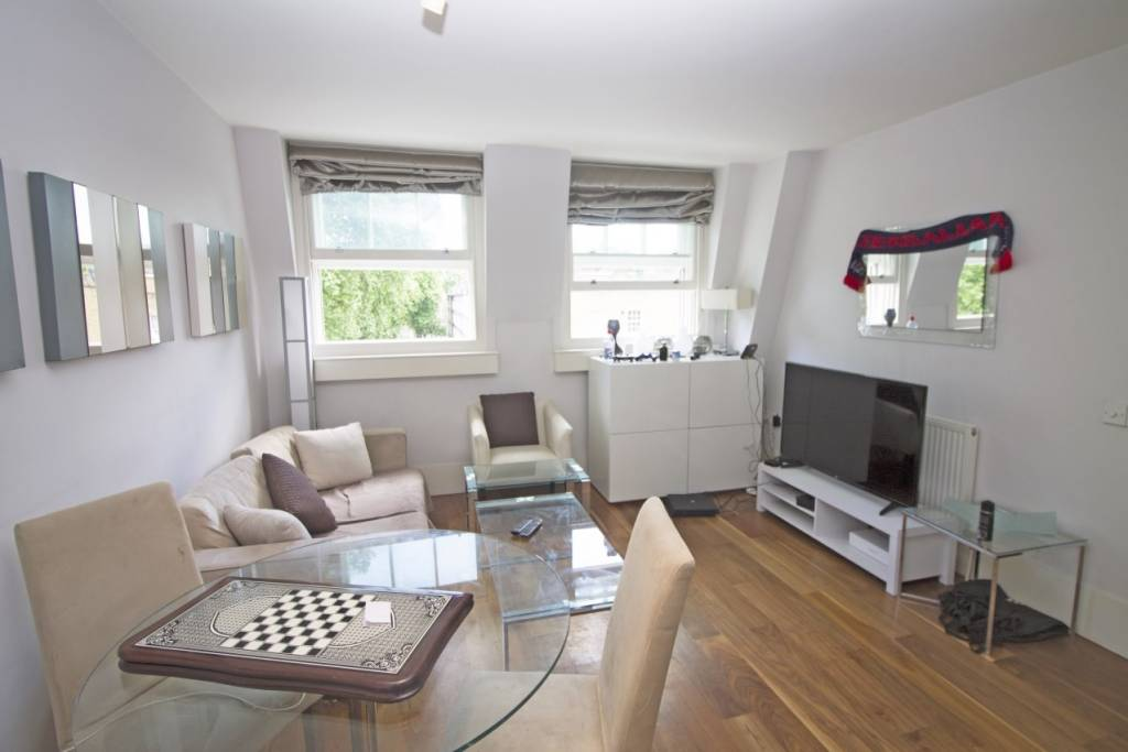 Flat 13, 28-30 Theobalds Road, London, WC1X 8NX -  Image 1