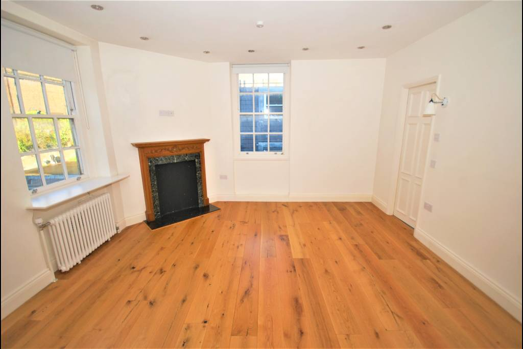 Flat 15, Bray House, Duke of York Street, SW1Y 6JX - Image 1