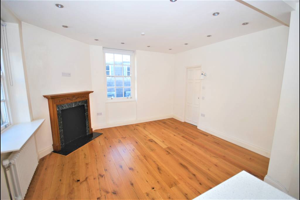 Flat 15, Bray House, Duke of York Street, SW1Y 6JX - Image 2