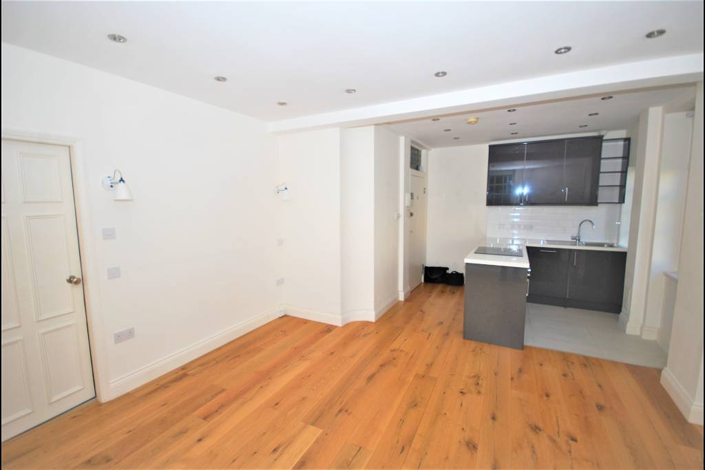 Flat 15, Bray House, Duke of York Street, SW1Y 6JX - Image 4