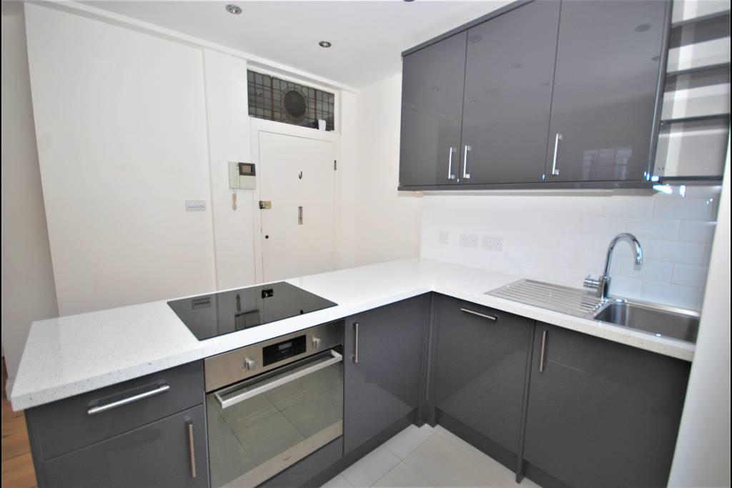 Flat 15, Bray House, Duke of York Street, SW1Y 6JX - Image 8