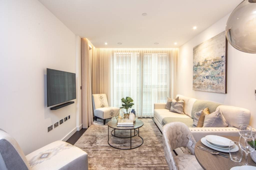 Flat 44,Thornes House, 4 Charles Clowes Walk, London, SW11 7AG -  Image 1