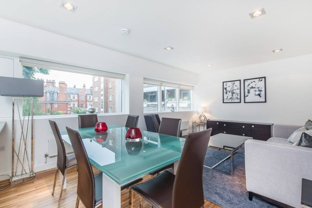 Flat 1B, 161 Fulham Road, London, SW3 6SN -  Image 1